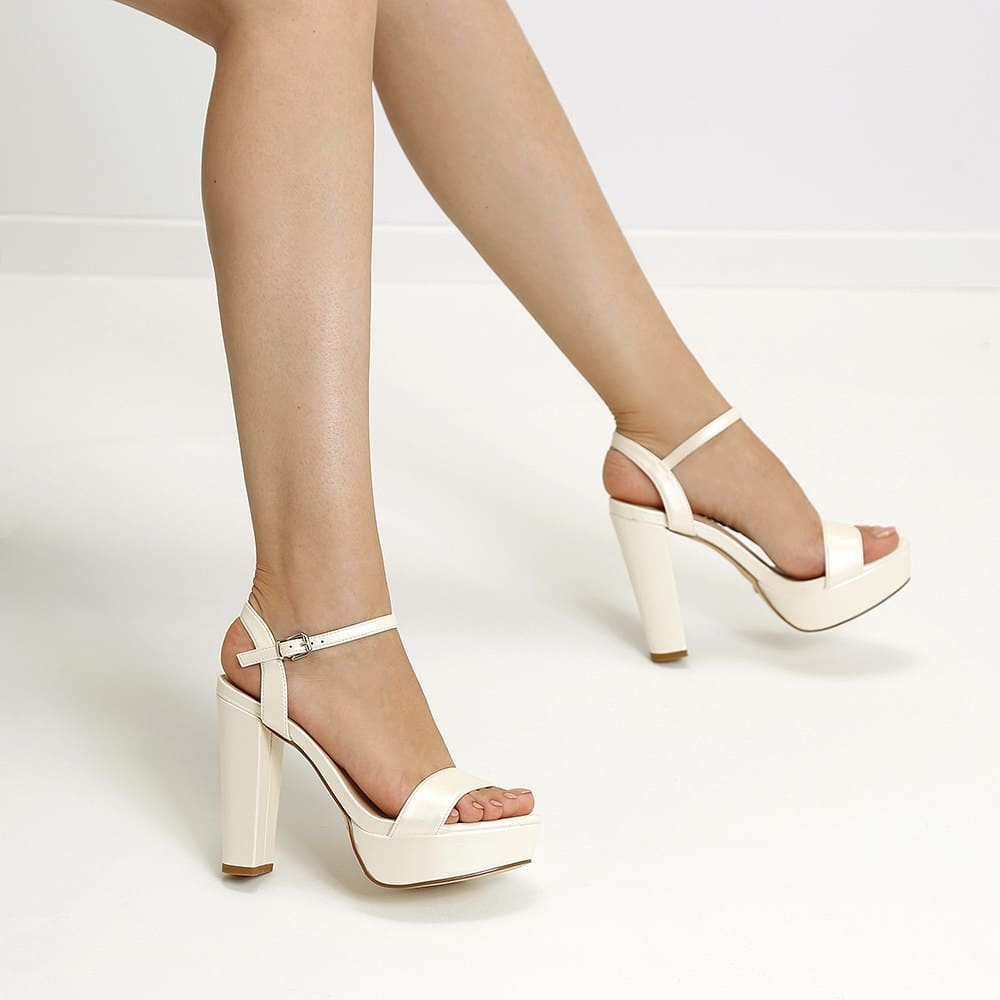 Stacy 81 White